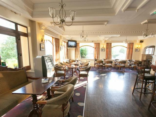 Iona Bar | Shamrock Lodge Hotel